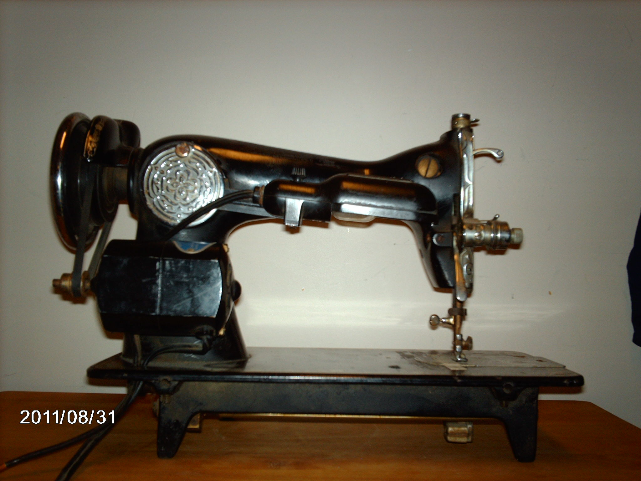 The Timeless Commercial Sewing Machine